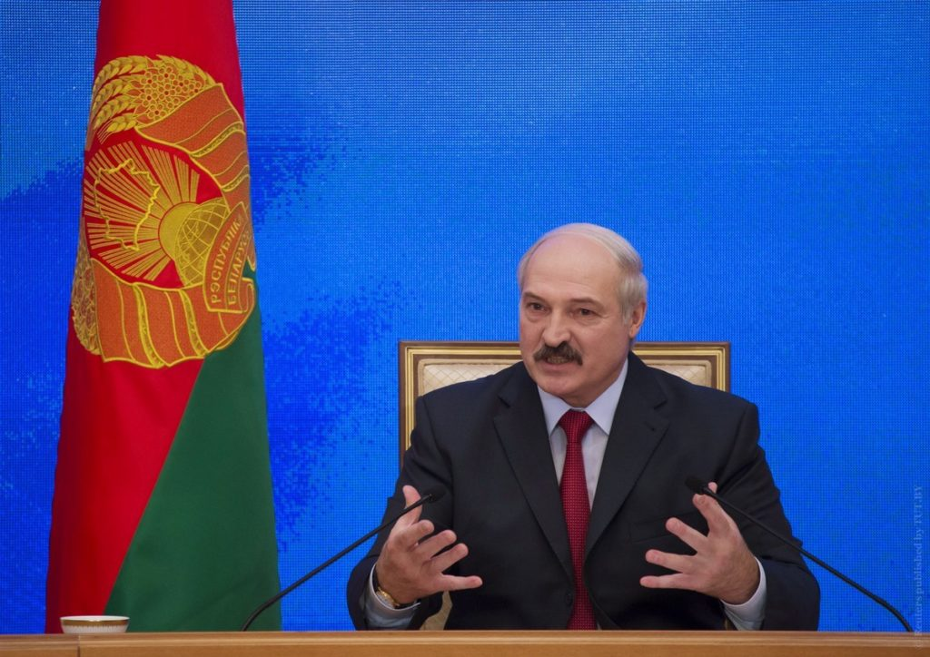 Belarussian President Alexander Lukashenko speaks during a news conference in Minsk, January 29, 2015. Belarus does not exclude pulling out of the Russia-led Eurasian Economic Union if agreements in it are not kept, President Alexander Lukashenko was quoted as saying on Thursday by Belta news agency. REUTERS/Vasily Fedosenko (BELARUS - Tags: POLITICS BUSINESS) - RTR4NEUZ