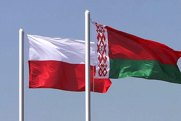 1477459695_flags_of_belarus_and_poland