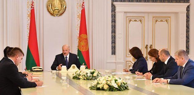 Лукашенко назвал глупостью домыслы о назначении нового правительства