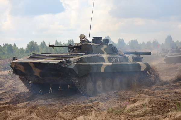 В Вооруженных Силах проходит состязание на лучшего по полевой выучке командира механизированного (танкового) батальона, роты