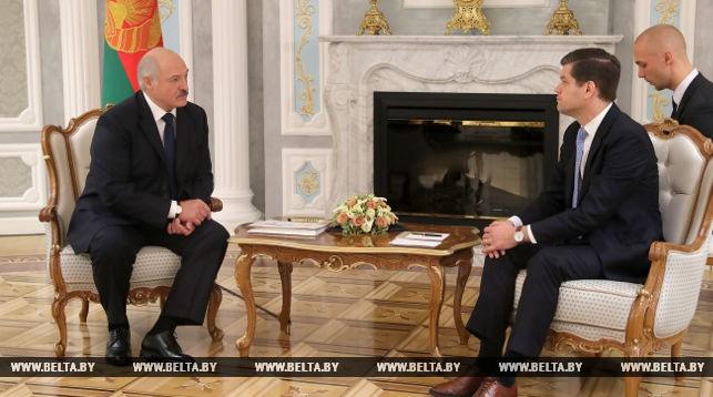 Лукашенко рассчитывает на дальнейшее улучшение отношений между Беларусью и США